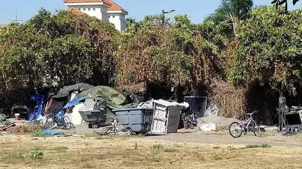 Разногласия в Демократической партии США могут оставить американцев без жилья