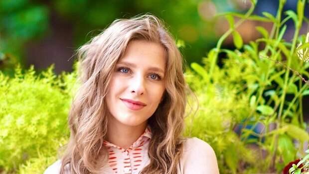 «Сегодня первая дата»: Лиза Арзамасова рассказала о важном событии в семье