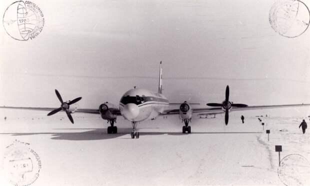 Ил-18Д, станция Молодежная, Антарктида, 1980 год