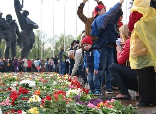 Уголовная ответственность РФ остановит Ригу от сноса памятника Освободителям