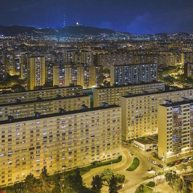 10. Барселона - это не только исторически богатый город в Испании, но и современная постройка жилая застройка, каменные джунгли, квартиры, фото, человеческий муравейник