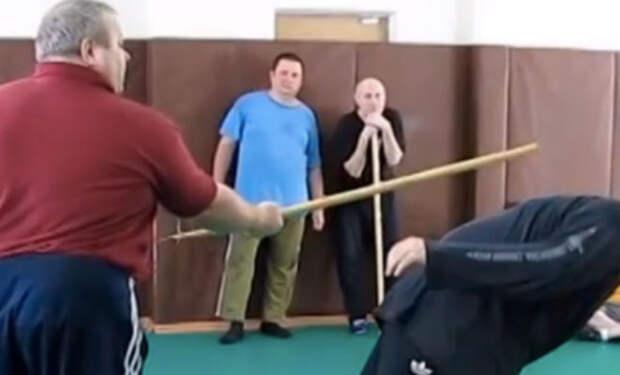 Мастер бесконтактного боя против боксера