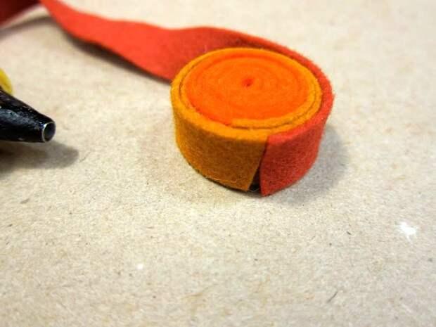 Простой способ превратить обрезки фетра в потрясающий коврик