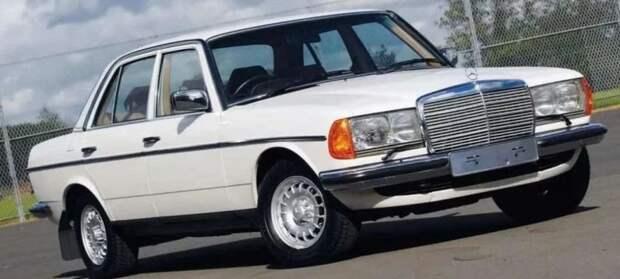 Вот ещё интересный вопрос. А чтобы купил Самохвалов, если бы мог выбирать любую машину? авто, волга, газ, газ-24, кино, ретро авто, служебный роман, советское кино