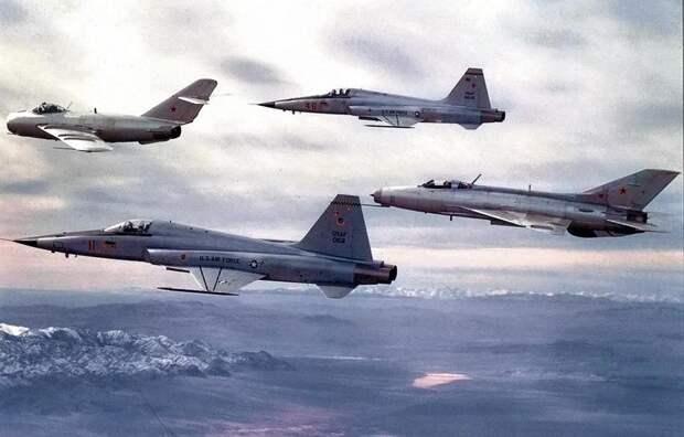 Как американцы тайно использовали советские самолеты
