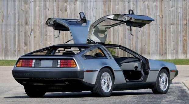 Словом, он поставил перед собой неосуществимую задачу! delorean dmc-12, dmc-12, авто, автодизайн, автомобили, делореан, машина времени, назад в будущее