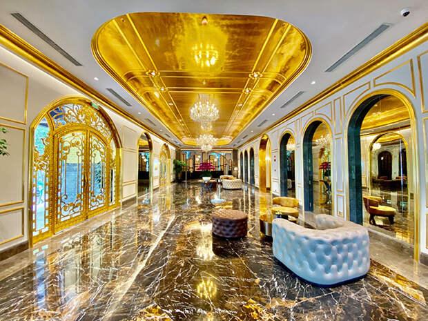 Золотой отель заработал во Вьетнаме