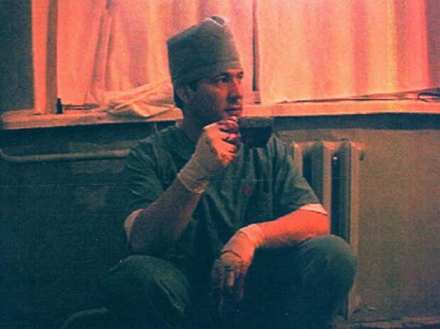 """""""Лицо Салмана Радуева я собирал полгода, как мозаику""""  Откровения знаменитого пластического хирурга о военных кампаниях в Чечне"""