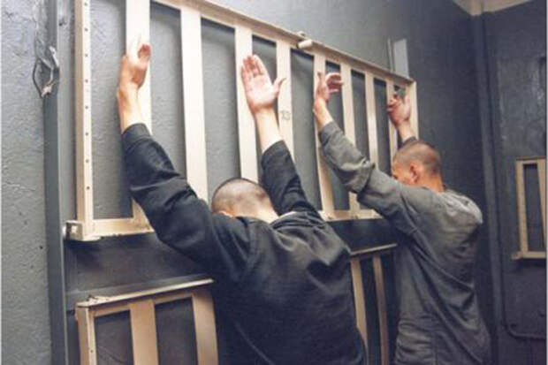 Хочешь бросить курить? Садись в тюрьму, помогут!