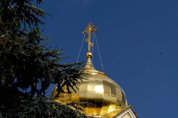 В храмах Крыма помолились за избавление полуострова от наводнений