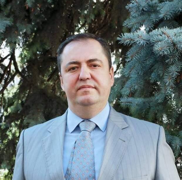 Замглавы Симферопольского района Боделан прокомментировал скандал с некорректной биографией на сайте
