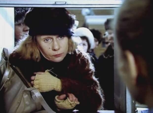 Кадр из фильма *Время летать*, 1987