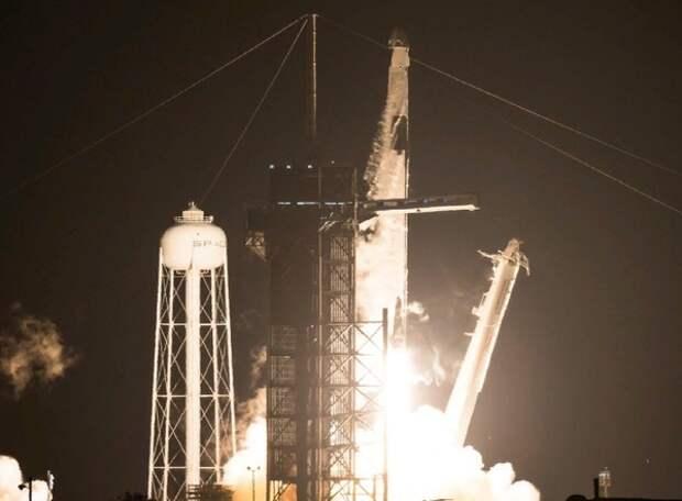 SpaceX во второй раз запустила к МКС Crew Dragon с астронавтами