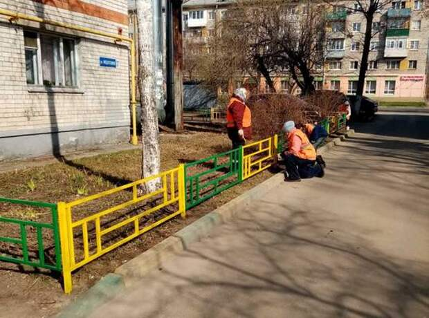 Детские площадки приводят впорядок вПриокском районе