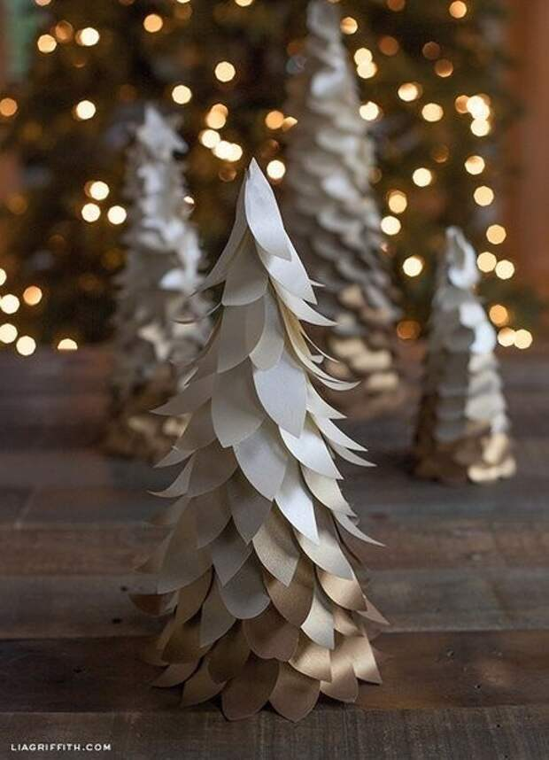 Миниатюрные елочки из бумаги