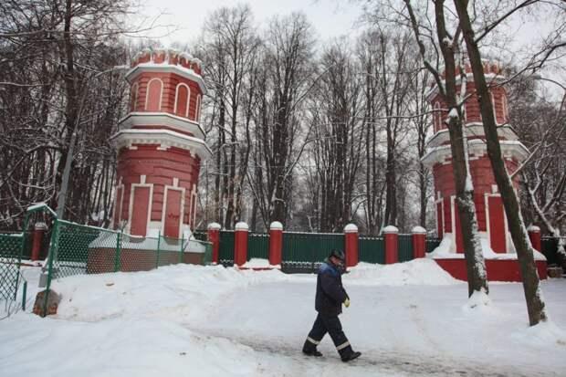 Раскрыта тайна «хозяина» забора усадьбы Михалково