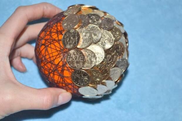 Поделки из монет своими руками: практичное использование копеек для создания оригинальных изделий и украшений. (50 фото)