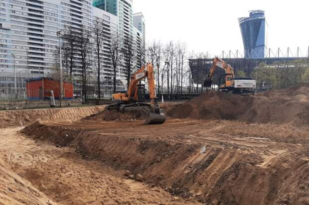 Рабочие подготовили стройплощадку для тренировочной базы на Песчаной Фото с сайта stroi.mos.ru