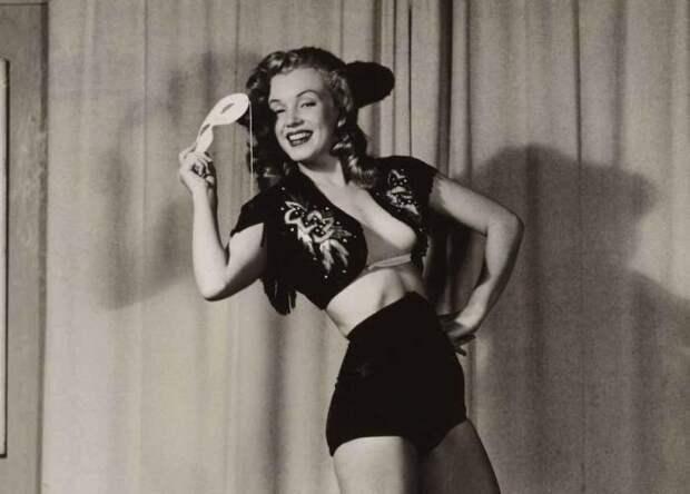 22 скандальных эротических снимка Мэрилин Монро, о которых мало ктознает