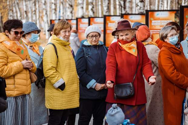 Пенсионеры Удмуртии в течение двух месяцев принимали участие в фестивале «Яркие краски осени жизни»