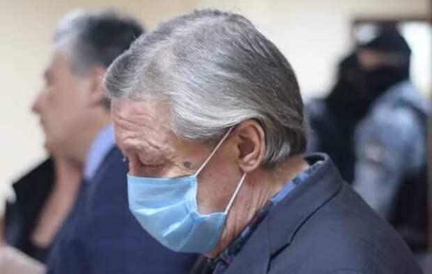 «Это беспредел»: Минюст решил наказать адвокатов по делу Ефремова