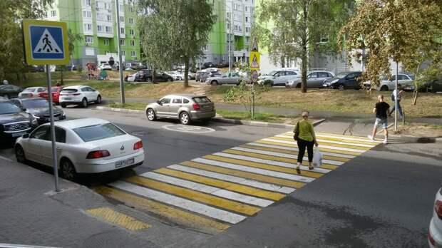 Как правильно парковаться у пешеходного перехода, чтобы автомобиль не увёз эвакуатор? Нюансы ПДД