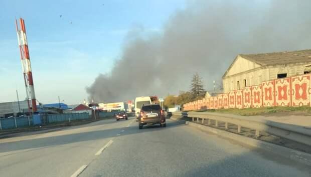На пожаре в производственном здании Подольска пострадавших нет