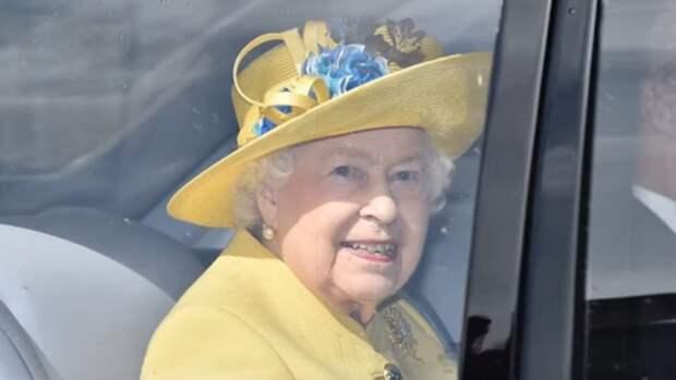 Елизавета II разрешила подруге принца Филиппа присутствовать на похоронах