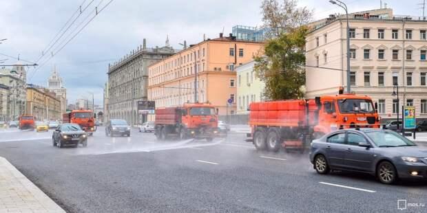 Улицы в Марфине промыли с шампунем