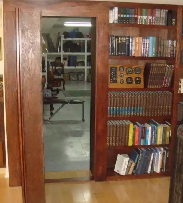 Комната за секретной дверью
