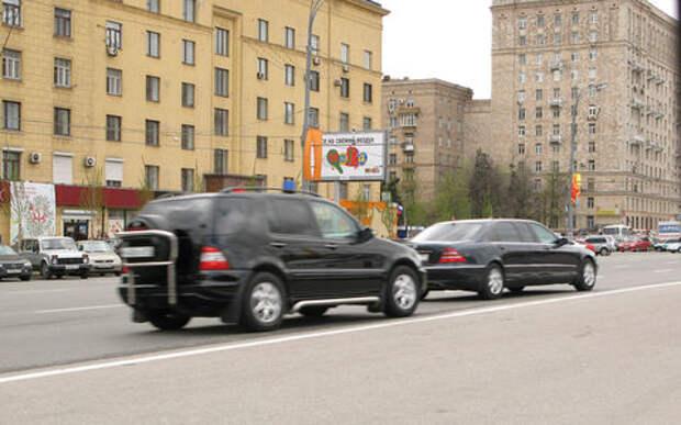 Небожители: автомобили ФСО приравняют к экстренным службам