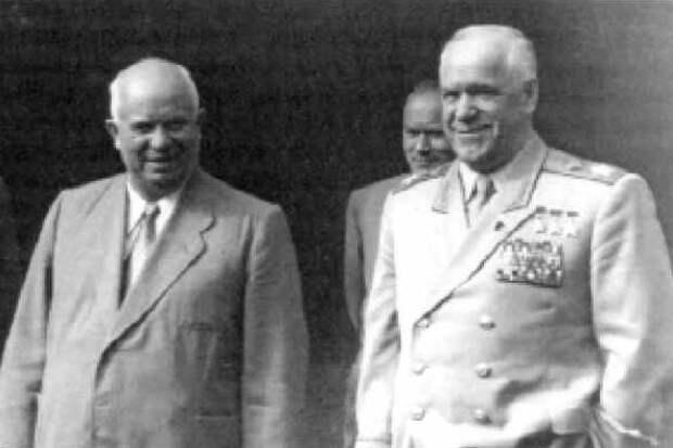 Почему Хрущёв на верность Жукова ответил предательством