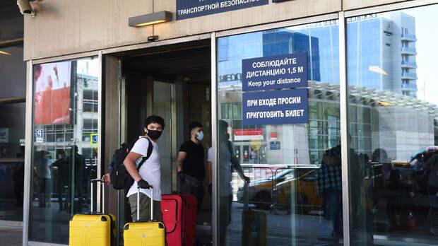РФ обсуждает полное открытие авиасообщения с другими странами с 11 августа