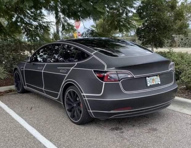 Необычный расwdtnrf электромобиля Tesla