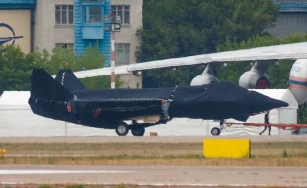 Главная премьера МАКС-2021: на фото впервые попал новый российский истребитель