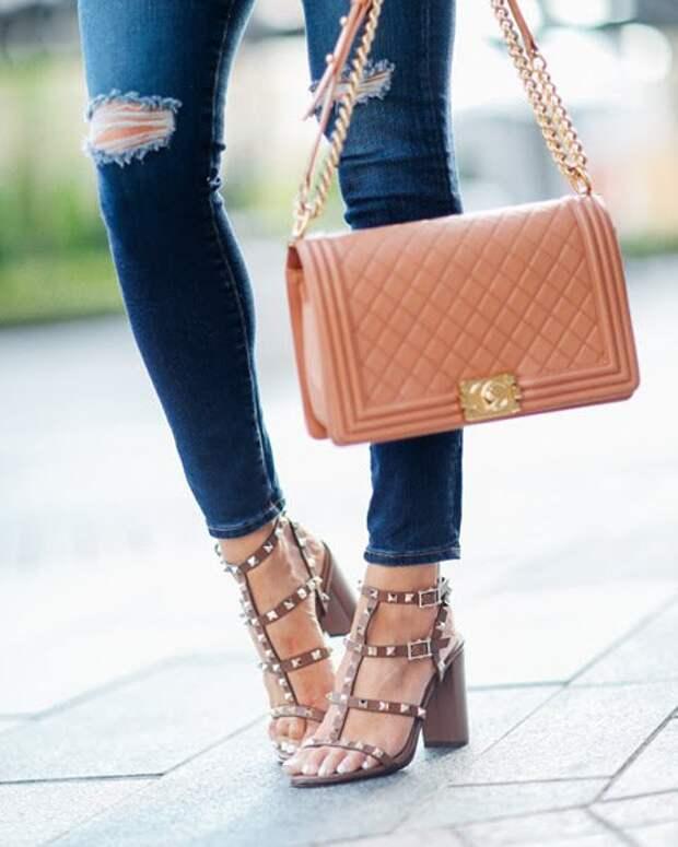 Стильная комбинация: простые приемы, как интересно сочетать обувь и сумку