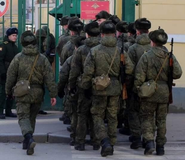 Новая версия: причиной расстрела солдатом сослуживцев назван его конфликт с офицером