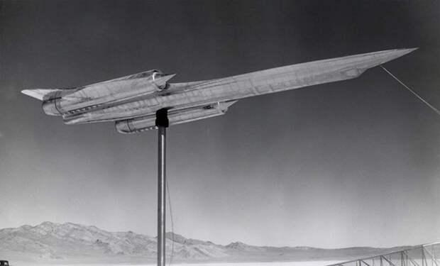 Поисковик нашел в Зоне-51 место, где военные в 1967 году потеряли секретный самолет и все скрыли