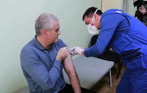 Глава Крыма получил второй компонент вакцины от коронавируса