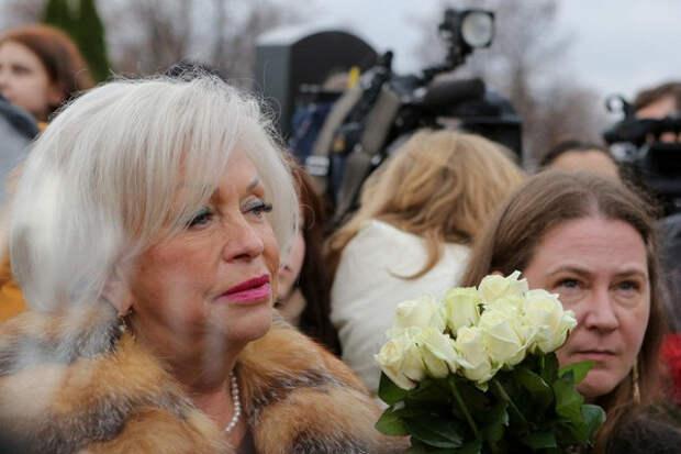 Вдова Караченцова раскаялась впьяной езде иобещала молиться заЕфремова