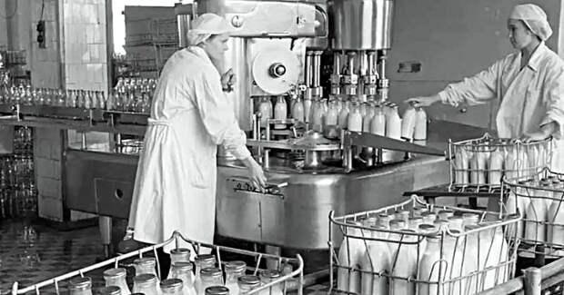 Кефир и ряженка: как появились эти продукты и какой из них полезнее