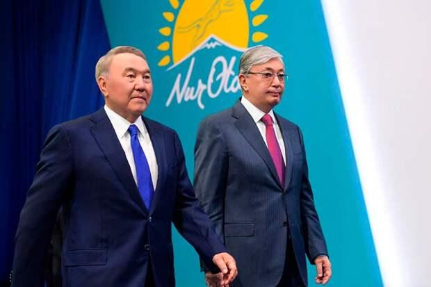 Назарбаев пытается решить дилемму, как передать власть Токаеву, в то же время оставив ее у себя
