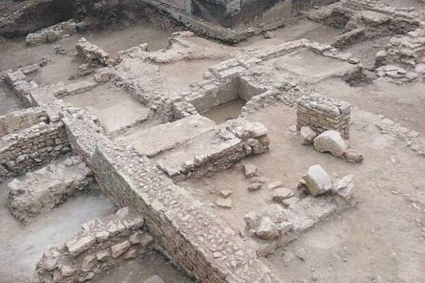 В Великобритании археологи обнаружили загадочное здание времен Римской империи