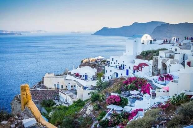 Греция продлила ограничения для туристов до 14 мая