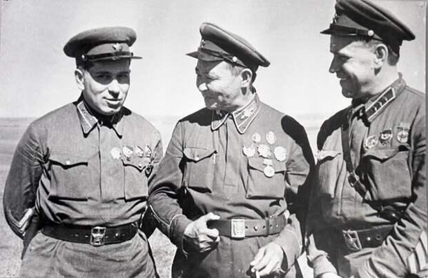 Командарм Штерн, маршал Чойбалсан и комкор Жуков