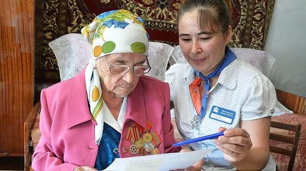 Мошенники приходят к пенсионерам под видом «соцработников»