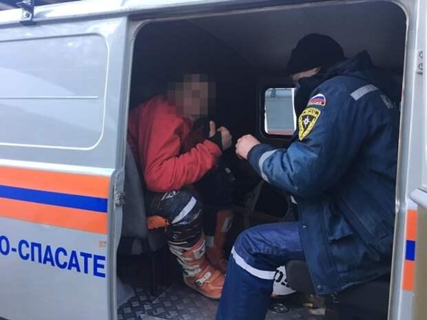В Крыму турист упал с мотоцикла в овраг