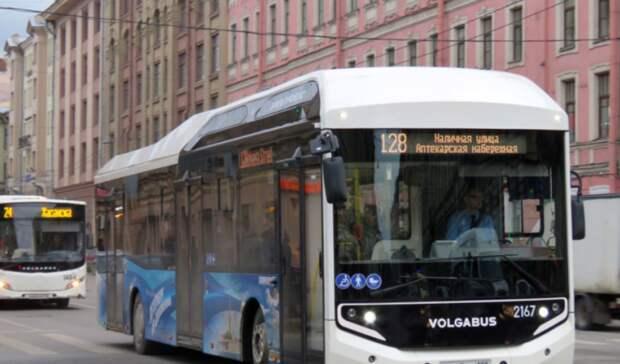 Наприродный газ переходит городской транспорт Петербурга