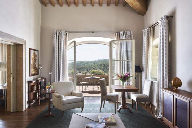 В тосканском отеле-поместье Rosewood Castiglion del Bosco открылись 19 новых дизайнерских сьютов