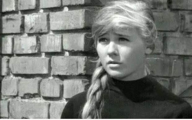 Стали известны трагические подробности жизни покойной актрисы Светланы Савеловой